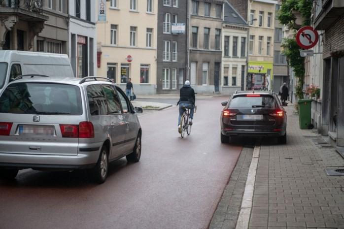 Achttien bestuurders op de bon wegens inhalen fietsers in fietsstraat