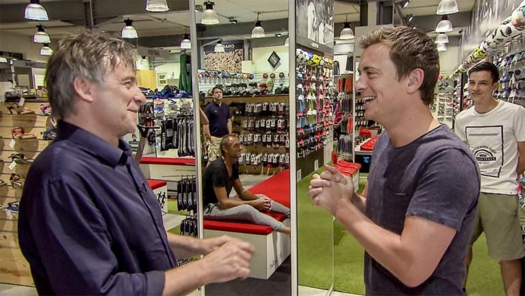 Hoe Niels Destadsbader meisjes verleidde terwijl hij hen nieuwe schoenen verkocht