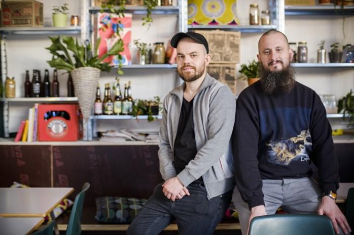 """Borgerhouts café zonder alcohol doet gouden zaken tijdens Tournée Minérale: """"Het hoeft niet altijd bier te zijn"""""""
