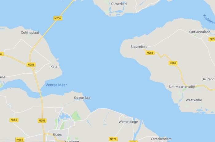 Binnenvaartschip botst met tanker op Oosterschelde