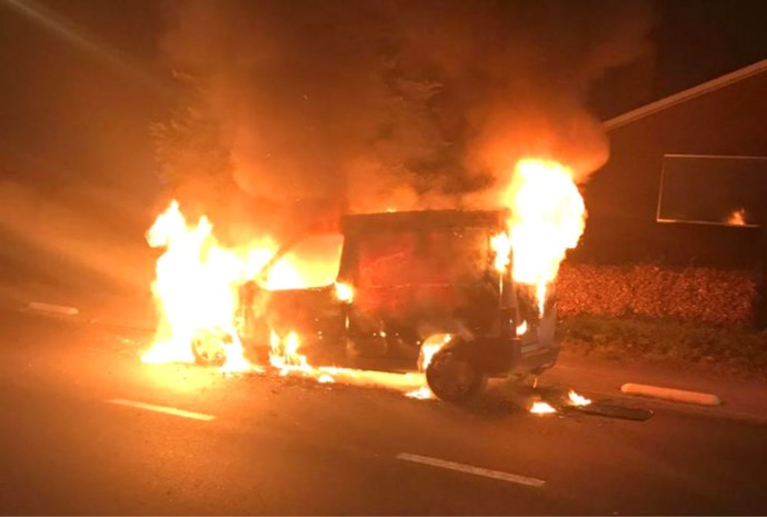 Auto volledig uitgebrand in Rumst