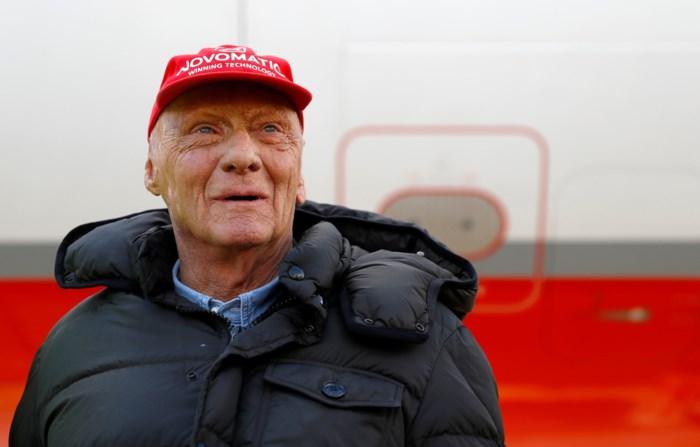 """Zoon van Niki Lauda verzekert dat revaliderende F1-legende """"vecht als een leeuw"""": """"We zetten geen tijdslimiet"""""""