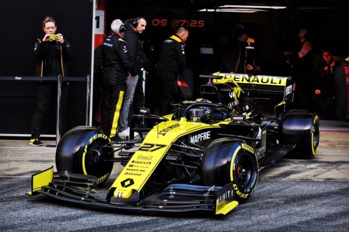 Hulkenberg is met zijn Renault de snelste op laatste dag F1-test, bijna-crash voor Lewis Hamilton