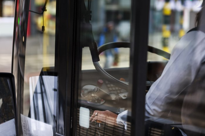 Drie jaar cel geëist tegen buschauffeur die meisje betast