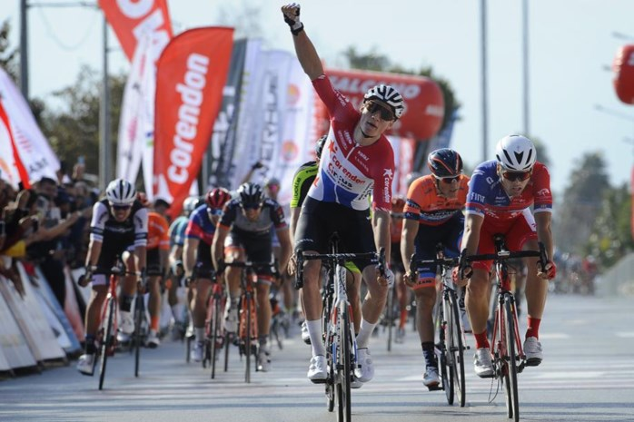 """Mathieu van der Poel al meteen de beste in eerste etappe Ronde van Antalya: """"De laatste vijf kilometer was het echt gekkenwerk"""""""