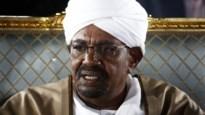 Soedanese president roept noodtoestand uit en ontslaat zijn regering
