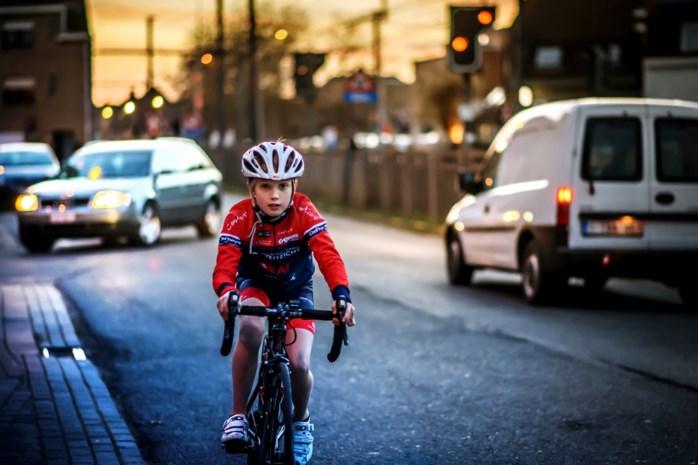 """Muyters moedigt gemeenten aan om wielersport nieuw leven in te blazen: """"Maak straten autovrij voor jonge coureurs"""""""