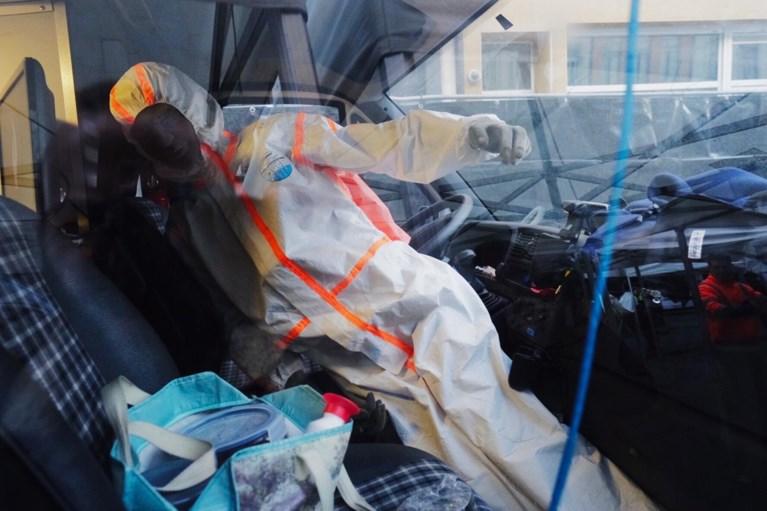 Brederodestraat afgesloten en deels 'overkapt' voor reconstructie dodelijke schietpartij