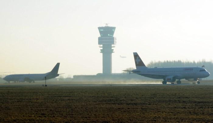 Vliegverkeer boven België hernomen na hele nacht stilgelegen te hebben: vooral cargovluchten getroffen