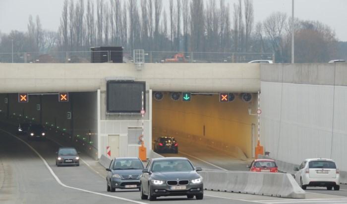 Werken aan Krijgsbaantunnel tegen opstijgend water: verkeer moet elf dagen over pechstrook