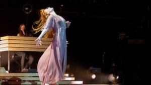 RECENSIE. Florence + The Machine in het Sportpaleis: van kop tot teen een keel