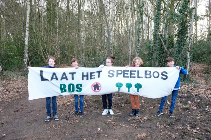 """Buurtbewoners schieten opnieuw in actie: """"Laat het speelbos alsjeblieft bos blijven"""""""