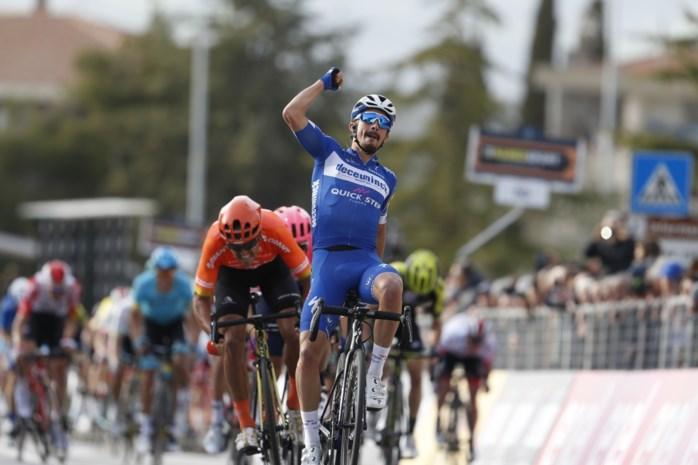Julian Alaphilippe geeft Greg Van Avermaet het nakijken in de Tirreno-Adriatico en zet de zegeteller van Deceuninck- Quick Step op 16
