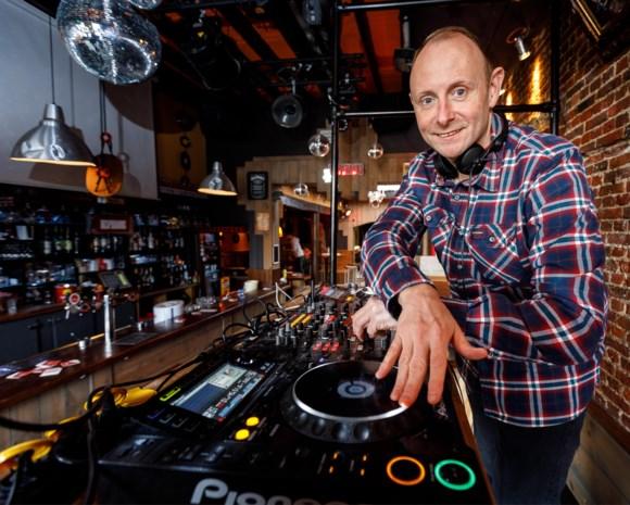"Bekende Mechelse deejay Kurt (43) draait op Tomorrowland Winter: ""Als 13-jarige mixte ik al plaatjes bij de lokale radio"""