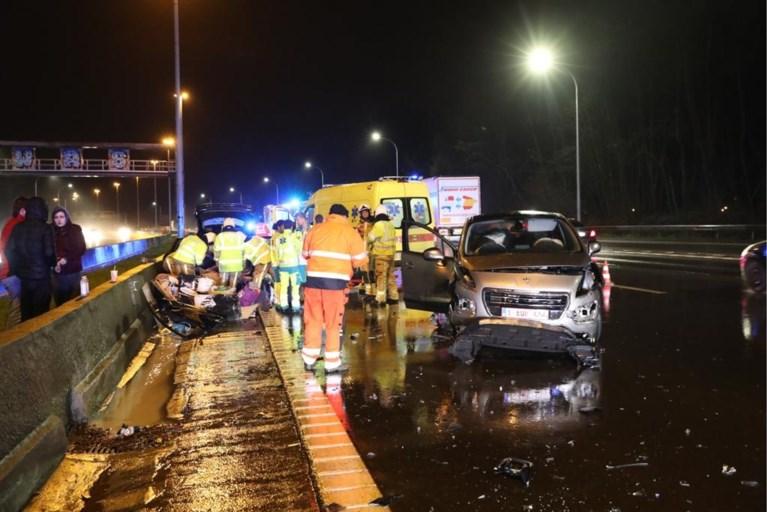 Chauffeur gewond na ongeval op E19
