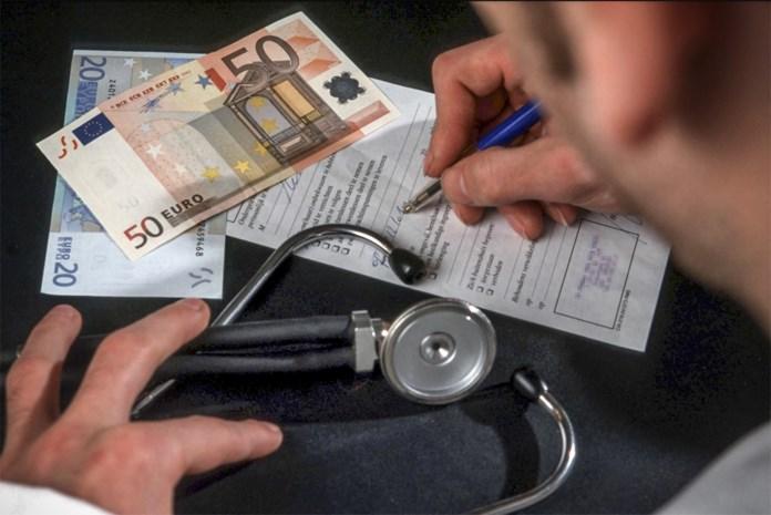 Geen doktersbriefjes meer nodig: wat zou dat veranderen? En blijft iedereen dan niet gewoon thuis?
