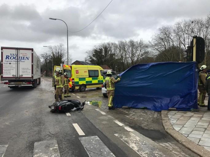 Voetganger (93) overlijdt in Mortsel na aanrijding met vrachtwagen