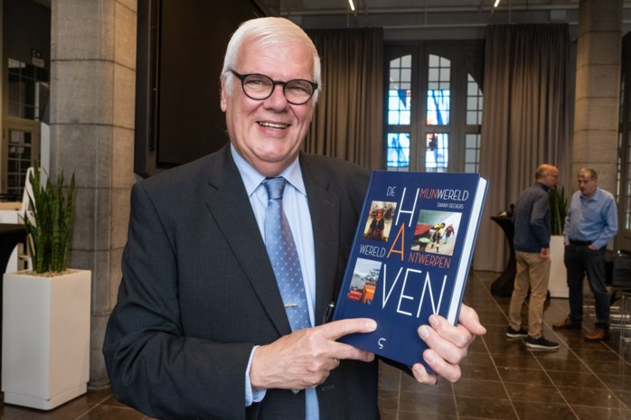 Havengids stelt luxeboek voor na jarenlang rondleiden van presidenten en koningen: vier feiten over de haven die u nog niet wist