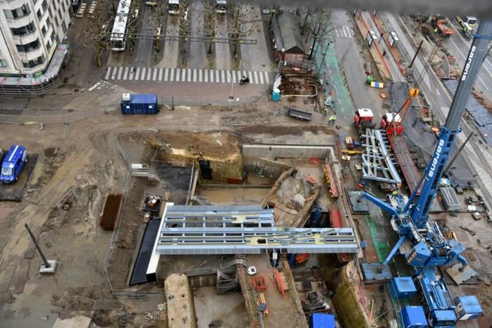 Trambruggen liggen klaar aan Kipdorpbrug