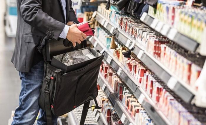 Man uit asielcentrum steelt tabak en drank in tien verschillende supermarkten