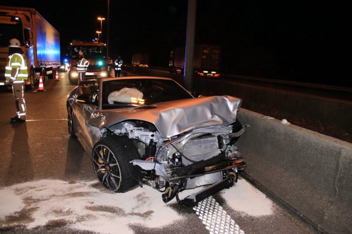 Tanja Dexters en vriend crashen met Jaguar op E313