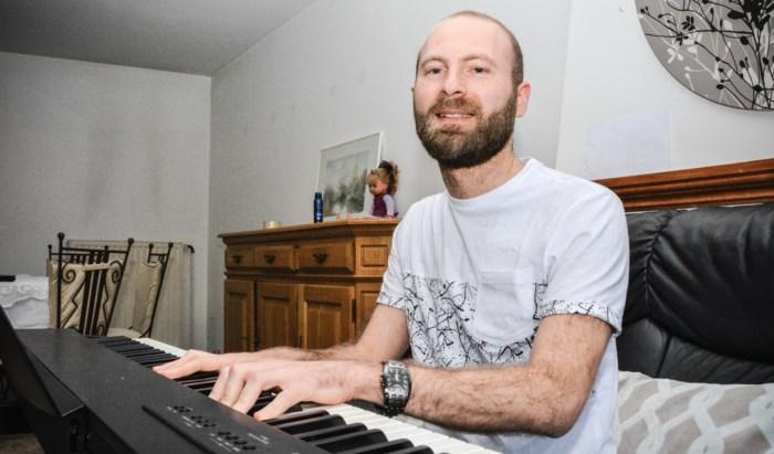 Pianist die met ouders oorlogsgeweld ontvluchtte, concerteert