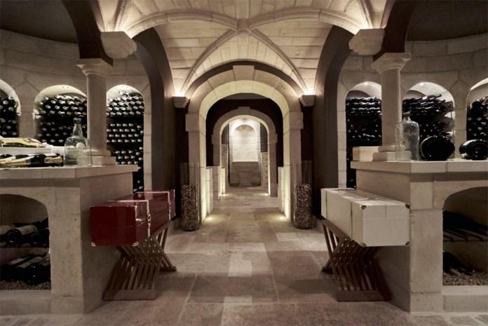 Antwerpse familie bouwde wijnkelder van 300.000 euro onder huis en verkoopt nu deel van collectie