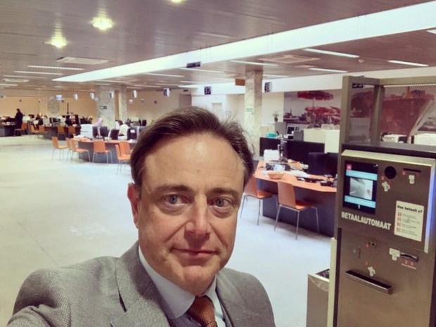 """Bart De Wever: """"Vanaf vandaag is Arthur een echte sinjoor"""""""