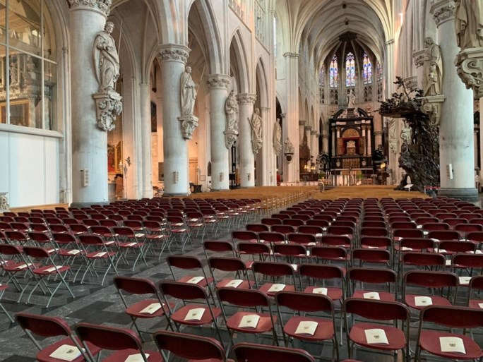 Koning Filip en koningin Mathilde wonen afscheid kardinaal Danneels bij