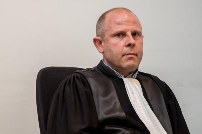 Fraudejager Peter Van Calster van Antwerps parket op de valreep weer geschorst