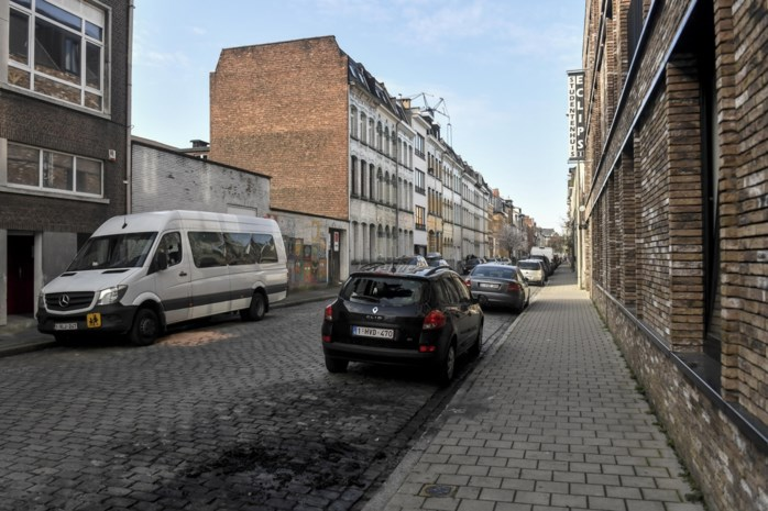 Politie gaat deze voormiddag van deur tot deur in Antwerpen-Noord om uitleg te geven na drugsgeweld