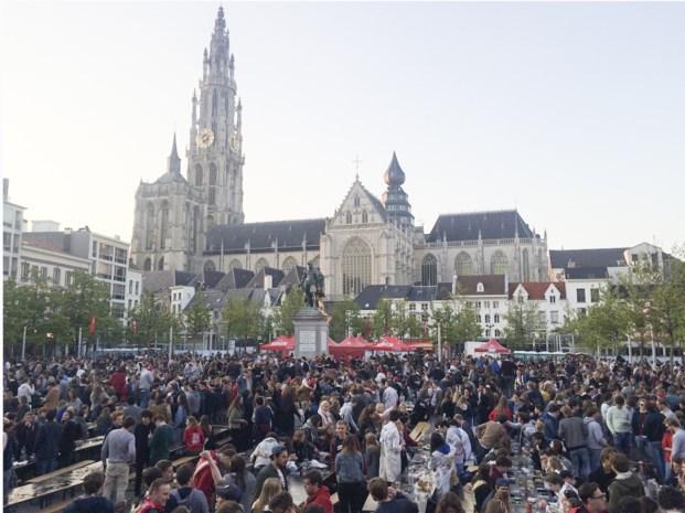 """Onvrede bij Antwerpse studenten over ticketverkoop Beiaardcantus: """"Het was op deze manier, of geen cantus"""""""