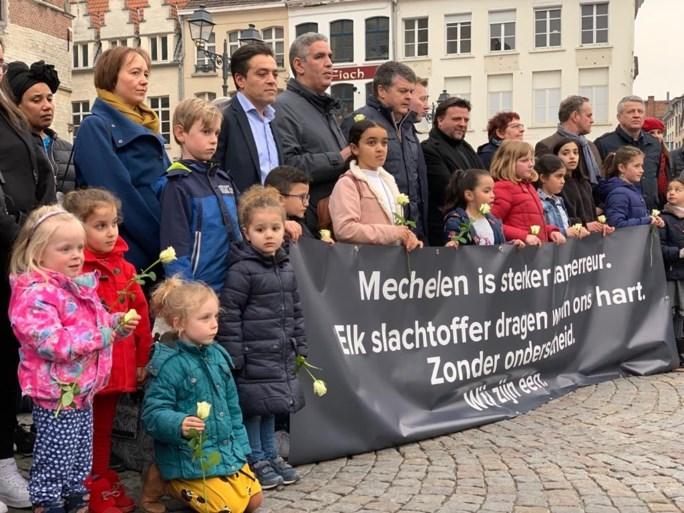 Mechelen houdt stille wake om terreurslachtoffers te herdenken
