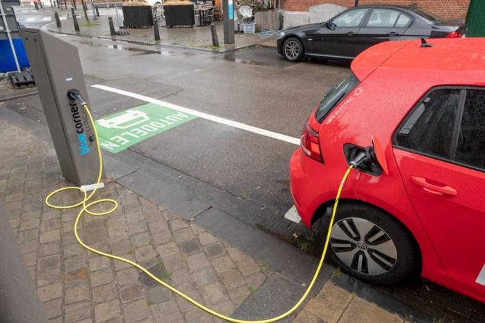 """Amnesty International kritisch: """"Elektrische wagens zijn helemaal niet zo schoon"""""""
