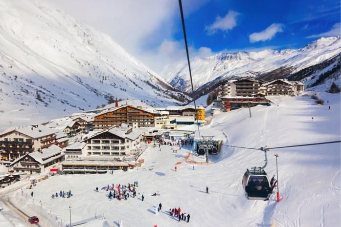 Man (54) sterft nadat hij tijdens het skiën 100 meter naar beneden viel