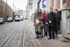 Straat geteisterd door snelheidsduivels en geluidsoverlast: bewoners starten petitie voor herinrichting