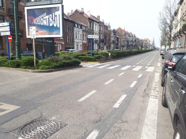 Bestuurder (19) rijdt overstekende vrouw (30) dood in Brussel