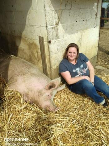 """Kashka (33) komt op voor dierenrechtenpartij: """"Ik probeer vleeseters niet te bekeren"""""""