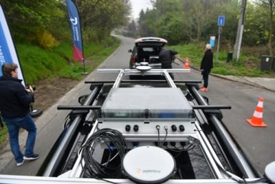 """Testsite langs E313 voor auto's die gegevens uitwisselen: """"Computers zijn nu eenmaal betere chauffeurs"""""""