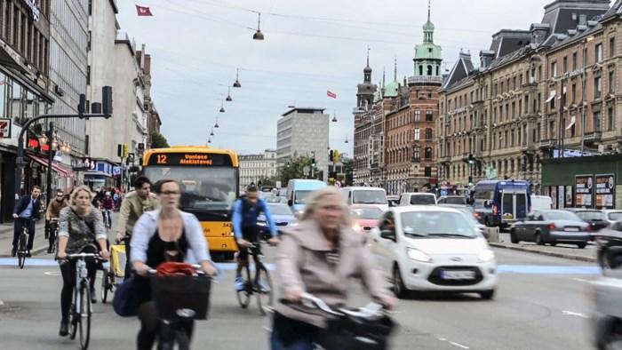 """Kan een 'luxetaks' op auto's het Antwerps fileprobleem oplossen? """"Een leerkracht kan in Kopenhagen geen VW Golf kopen"""""""