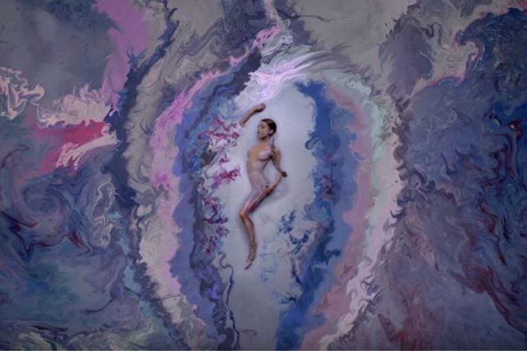 Na Riri en Kylie: ook Ariana Grande komt met beautylijn