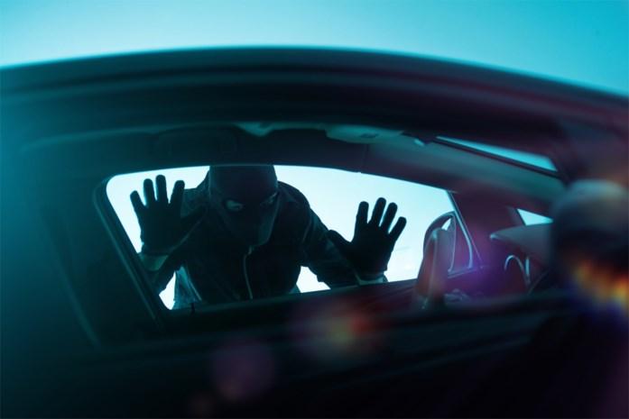 Tot vijf jaar cel geëist tegen vierkoppige bende voor meer dan vijftig auto-inbraken