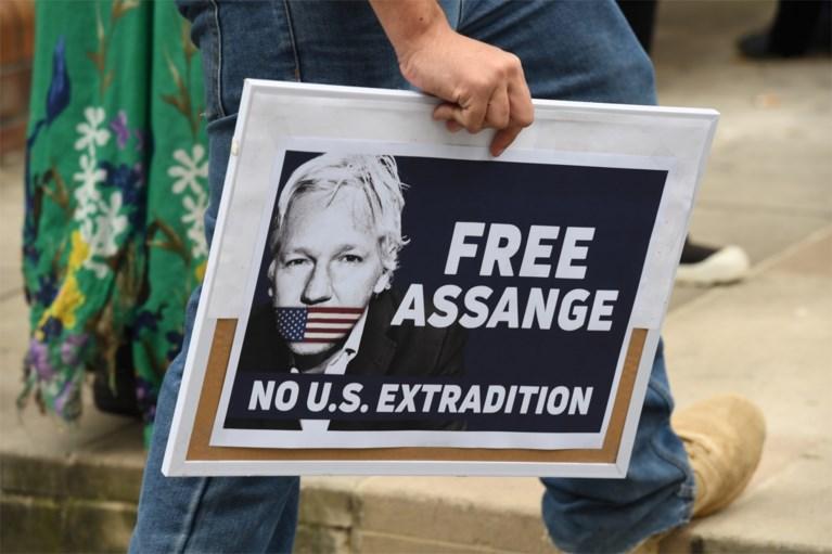 """""""Assange probeerde spionagecentrum op te richten in ambassade Ecuador"""""""