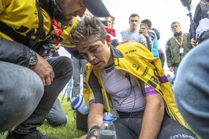 """De calvarietocht van Wout van Aert in Parijs-Roubaix: """"Het werd zwart voor mijn ogen"""""""