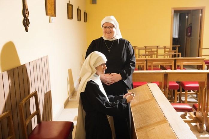 """Vlaamse nonnen weigeren te plooien voor de paus: """"We zijn geen onnozele trutten"""""""