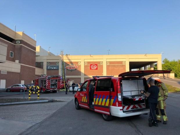 Wijnegem Shopping Center vroeger dicht door brandje en stroompanne