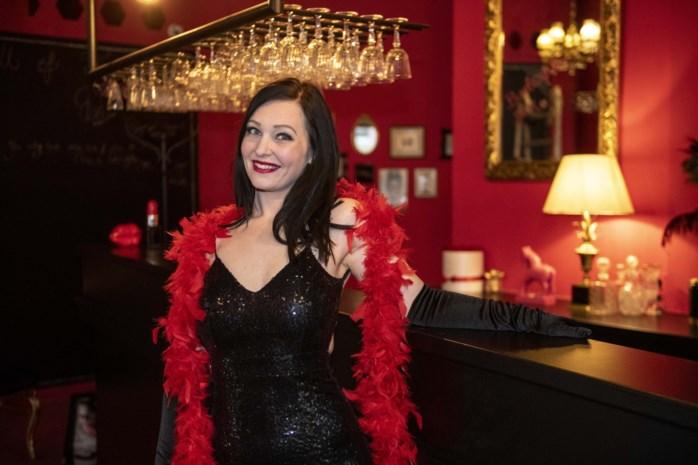 Licht ondeugende Burlesque Bar moet vergeten middenpleintje aan Oudaan weer leven inblazen