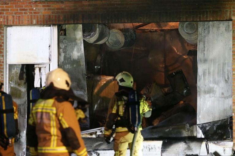 Wietplantage ontdekt bij brand in bedrijfspand