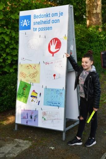 Schoolkinderen Luchtbal protesteren voor veilig fietsverkeer