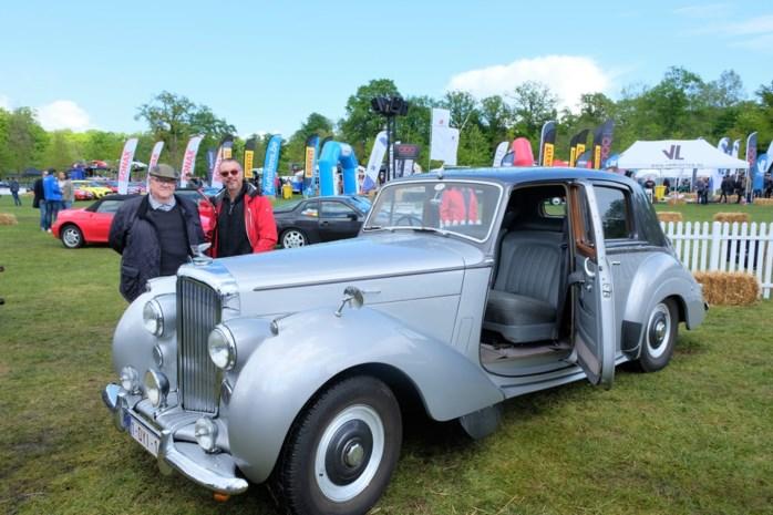 """Veel volk op Antwerp Classic Car Event: """"Niet elke 25-jarige zou een oldtimer mogen zijn"""""""